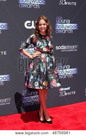 LOS ANGELES - AUG 1:  Bailee Madison arrives at the 2013 Young Hollywood Awards at the Broad Stage on August 1, 2013 in Santa Monica, CA
