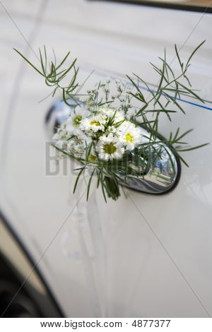 Decoration Of Wedding  Limousine.