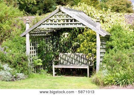 Romantic garden Hideaway