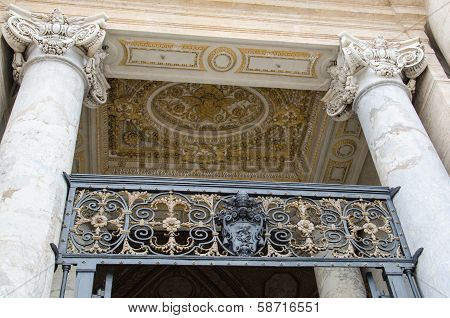 Main door of the cathedral of st. Peter in Vatican