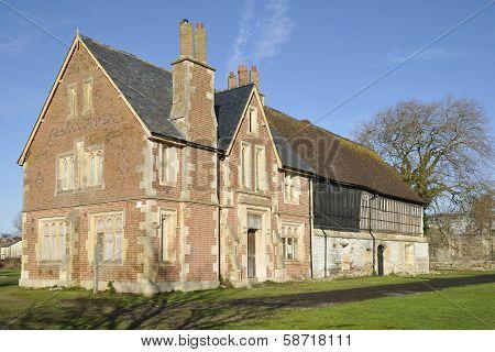 Llanthony Secunda Priory