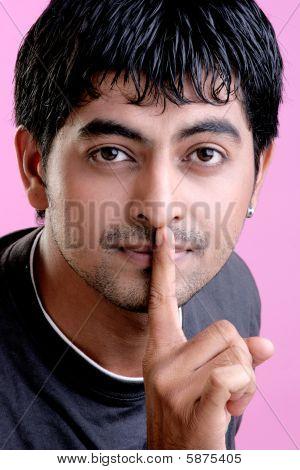 Silêncio, segredo