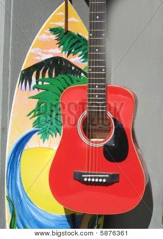 Gitarre und Surfbrett
