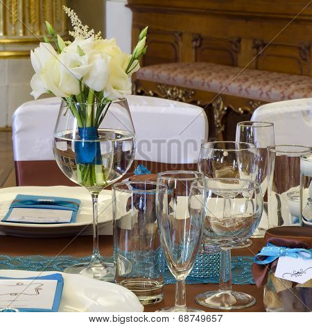 Wedding Table With Rose Bouquet