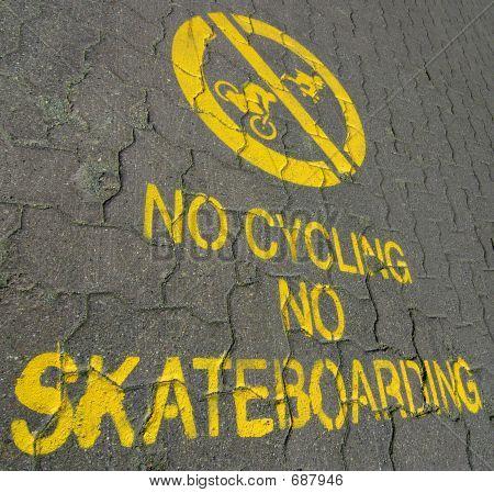 Kein Skateboard