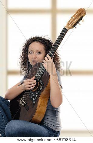 woman guitarist