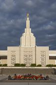 picture of fall day  - Mormon Temple  - JPG