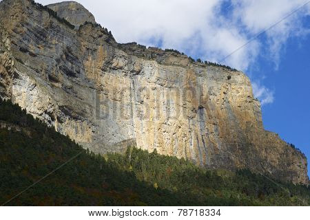 Libro Abierto Wall in the Pyrenees, Ordesa Valley National Park, Aragon, Huesca, Spain.