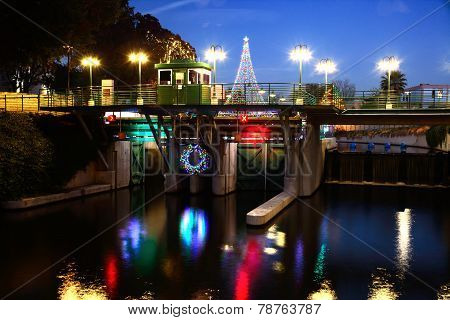 Riverwalk Lock