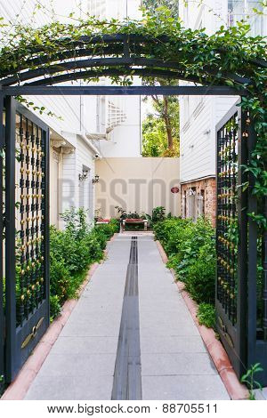Open Metal Gates