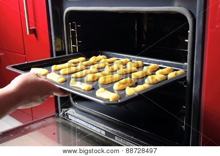 Baking Eclair Cookie in the Oven