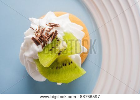 Small Biscuit With Kiwi And Whipped Cream