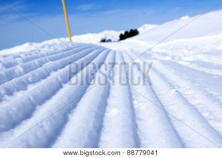 Snow Ridges