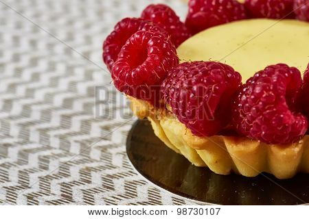 Home made tartlets with raspberries