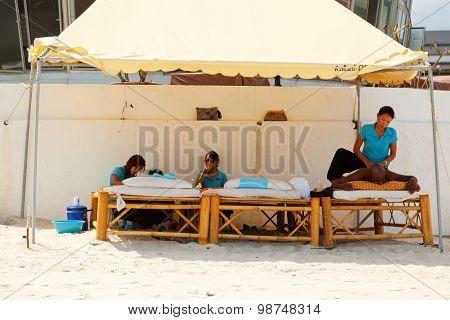 Massage At Chaweng Beach, Thailand