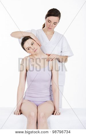 physical therapist gets a cervical evaluation