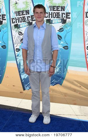 LOS ANGELES - AUGUST 8:  Kevin G. Schmidt arrives at the 2010 Teen Choice Awards at Gibson Ampitheater at Universal  on August 8, 2010 in Los Angeles, CA