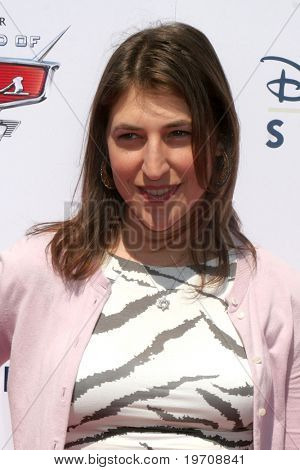 "LOS ANGELES - AUG 11:  Mayim Bialik arrives to Disney/Pixar Celebrates The Launch Of The ""World Of Cars Online"" at Bob's Big Boy on August 11, 2010 in Burbank, CA"