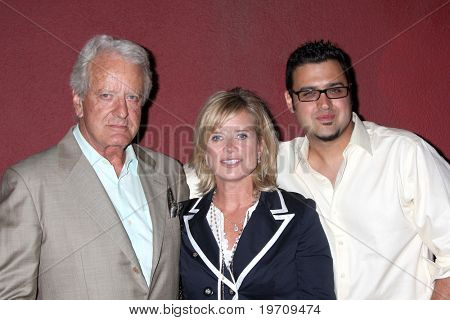 LOS ANGELES - JULY 31:  Nicolas Coster, Mary Beth Evans, & Gregori J. Martin at the