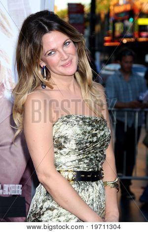 LOS ANGELES - AUG 23:  Drew Barrymore arrives at the