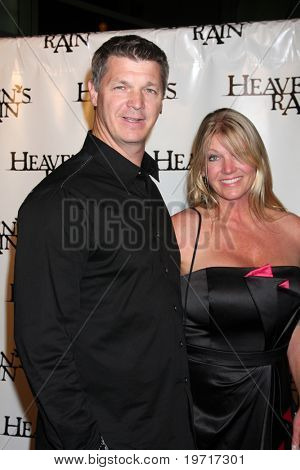 LOS ANGELES - SEP 9:  Brooks Douglass, Leslie Douglass arrives at the