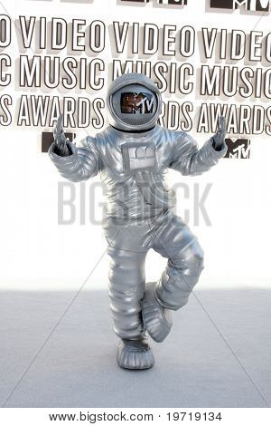 LOS ANGELES - SEP 12:  MTV Moon Man arrives at the 2010 MTV Video Music Awards  at Nokia - LA Live on September 12, 2010 in Los Angeles, CA