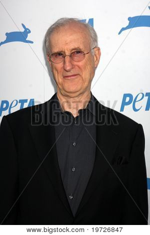 LOS ANGELES - SEP 25:  James Cromwell arrives at the PETA 30th Anniversary Gala at Hollywood Palladium on September 25, 2010 in Los Angeles, CA