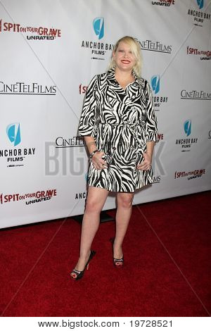 LOS ANGELES - SEP 29:  Tammie Sutton arrives at the