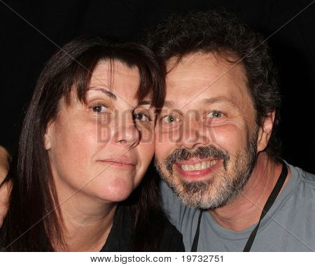 LOS ANGELES - OCT 9:  Elaine Aronson. Curtis Armstrong at the Hollywood Show at Marriott Convention Center.Theatre on October 9, 2010 in Burbank, CA