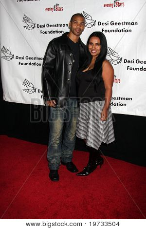 LOS ANGELES - OCT 9:  Aaron Spears arrives at the