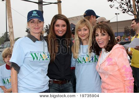 LOS ANGELES - OCT 16:  Eileen Davidson, Bristol Palin, Marcy Rylan, Kate Linder at the Habitat for Humanity