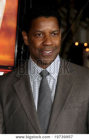 LOS ANGELES - OCT 26:  Denzel Washington arrives at the