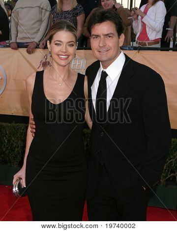 LOS ANGELES - FEB 5:  Denise Richards, Charlie Sheen arrive at the 11th Screen Actor's Guild Awards at Shrine Auditorium on February 5, 2005 in Los Angeles, CA