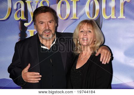 LOS ANGELES - NOV 6:  Joe Mascolo & Wife Pat arrives at the Days of Our Lives 45th Anniversary Party at House of Blues on November 6, 2010 in West Hollywood, CA