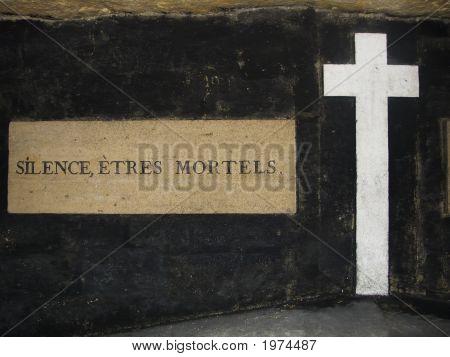 Silencio, seres mortales