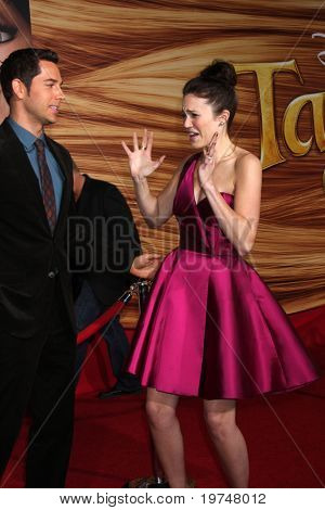 """LOS ANGELES - NOV 14:  Zachary Levi, Mandy Moore arrives at the """"Tangled"""" World Premiere at El Capitan Theater on November 14, 2010 in Los Angeles, CA"""