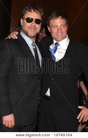 LOS ANGELES - NOV 16:  Russell Crowe, Michael Buie  arrives at