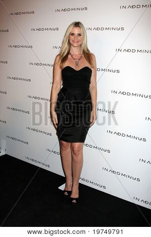 "LOS ANGELES - NOV 18: Bonnie Sommerville kommt zu dem ""In fügen Minus"" LA Store Launch Party am 590"
