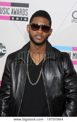 Los Angeles, nov 21: Usher kommt bei den 2010 american Music Awards Nokia Theatre am November