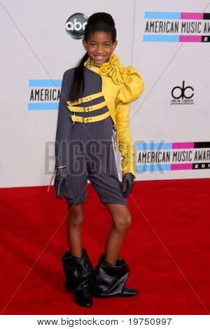 LOS ANGELES - NOV 21:  Willow Smith arrives at the 2010 American Music Awards at Nokia Theater on November 21, 2010 in Los Angeles, CA