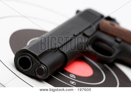 Arma sobre Bullseye