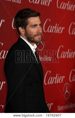 PALM SPRINGS - JAN 8: Jake Gyllenhaal arrives at the Palm Springs International Film Festival 2011 Awards Gala at Palm Springs Convention Center on January 8, 2011 in Palm Springs, CA.