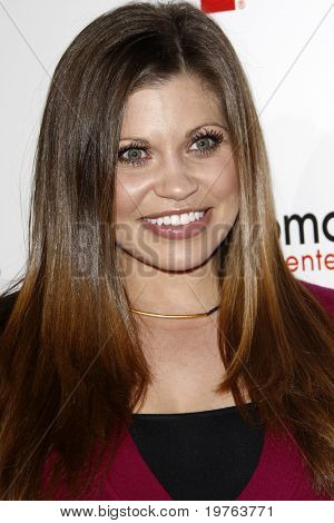 LOS ANGELES - JAN 5:  Danielle Fishel arrives at the Comcast Entertainment Group Television Critics Association Cocktail Reception at Langham Hotel on January 5, 2011 in Los Angeles, CA