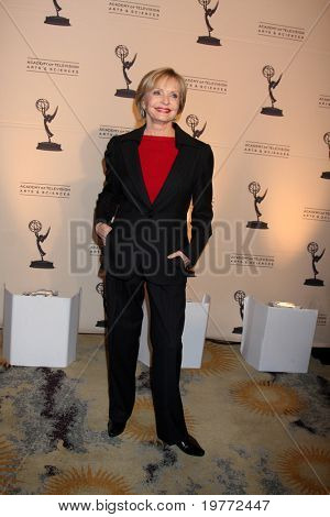LOS ANGELES - JAN 20:  Florence Henderson arrives at the ATASHall of Fame Committe's 20th Annual Induction Gala at Beverly HIlls Hotel on January 20, 2011 in Beverly Hills, CA