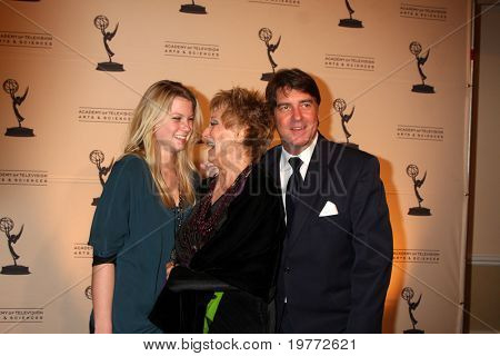 LOS ANGELES - JAN 20:  Cloris Leachman, Family arrives at the ATASHall of Fame Committe's 20th Annual Induction Gala at Beverly HIlls Hotel on January 20, 2011 in Beverly Hills, CA