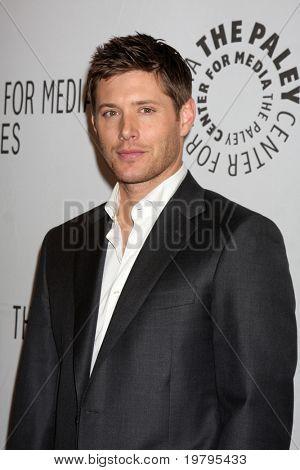 "LOS ANGELES - MAR 13: Jensen Ackles kommt bei der ""Supernatural"" PaleyFest 2011 Saban Theater o"