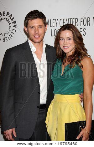 """Los Angeles mar 13: Jensen Ackles und Danneel Harris Ackles erreichen """"supernatural"""" Paleyfes"""
