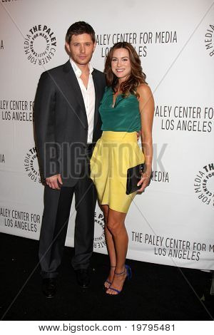 "LOS ANGELES - MAR 13: Jensen Ackles und Danneel Harris Ackles kommt in ""Supernatural"" PaleyFe"
