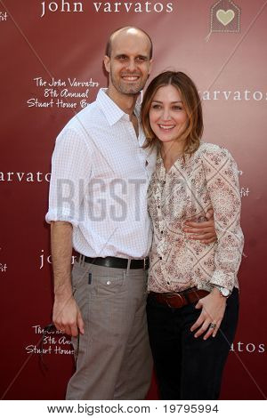LOS ANGELES - MAR 13:  Edoardo Ponti, Sasha Alexander arriving at the John Varvatos 8th Annual Stuart House Benefit at John Varvaots Store on March 13, 2011 in Los Angeles, CA
