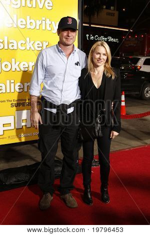 """LOS ANGELES - MAR 14:  Liev Schreiber, Naomi Watts arriving at the """"Paul"""" US Premiere at Grauman's Chinese Theater on March 14, 2011 in Los Angeles, CA"""